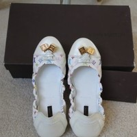 100% Authentic Louis Vuitton Multicolor White - Size 36 1/2