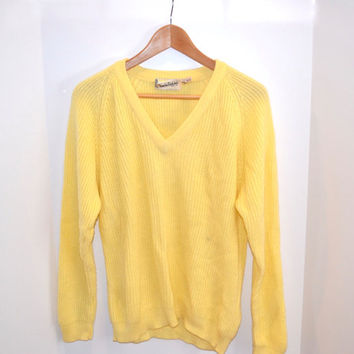Vintage Diane Von Furstenberg Light Yellow V-Neck Sweater - Size Medium