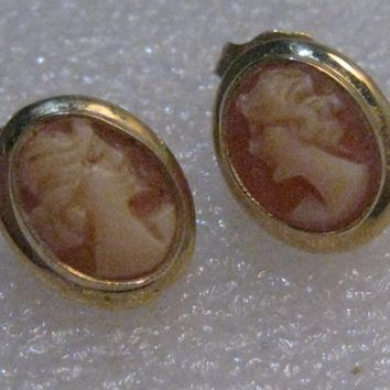 Vintage 14kt Gold Cameo Pierced Earrings, 10mm by 8mm, signed A & Z, 1.46 grams.