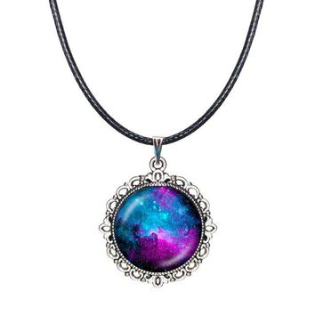 Drop Shipping Hippie colar tumblr choker collar necklace lovely galaxy pendant necklace glass dome nebula pendant women jewelry