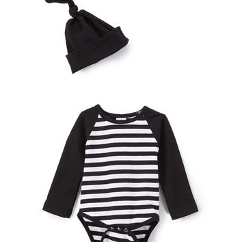 Black & White Stripe Raglan Bodysuit & Knot Beanie - Infant