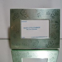 eBlueJay: Light Green Floral Picture Frame Flowers Home Decor