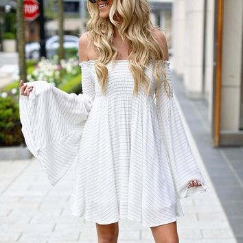 DeRuiLaDy 2018 Women Long Sleeve Summer Beach Dress Sexy Off Shoulder Flare Sleeve Striped White Dresses Autumn Casual Dress