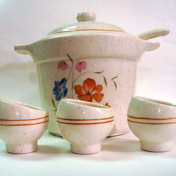 Bean Pot WITH bowls and ladle Soup Tureen Treasure Craft Speckle Poppy