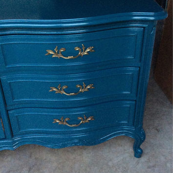 Vintage French Provincial Dresser by Thomasville
