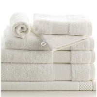Petale Jasmin Towels by Anne de Solene.