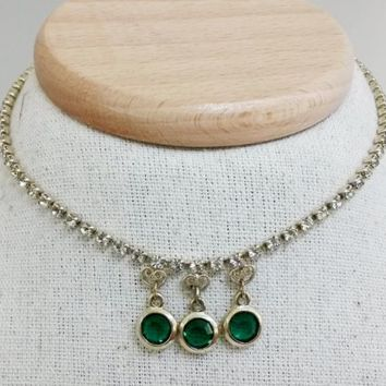 Vtg Emerald Green Open Back Bezel Clear Rhinestone Gold Tone Choker Necklace