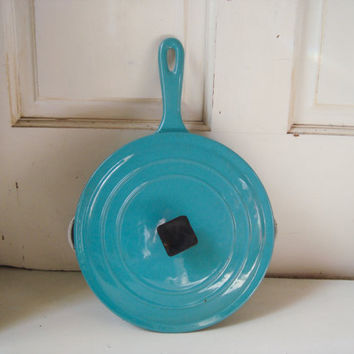 Vintage Aqua Le Creuset Enamel Ware Pan with Lid, Vintage Turquoise Frying Pan, Heavy Skillet, French Farmhouse, Blue Kitchen Decor