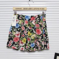 Beautiful Chiffon Drawing Flowers Pattern Pleated Mini Skirts 2 Colors