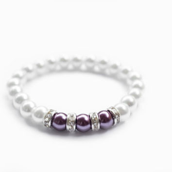 Pearl Bracelet. Stretch Rhinestones Bracelet. White and Purple Pearls. Wedding Jewelry. Bridesmaid Jewelry.