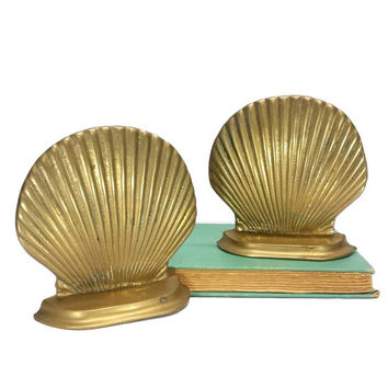 Brass Shell Bookends Vintage Nautical Coastal Decor Gold Patina Beach Ocean Mantle Bookshelf Home Office Decor Bibliophile Book Lover Gifts