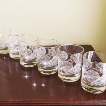Glass Seashell Tumblers, Glass High Balls, Beach House Glasses, Sand Dollar Star Bar Glasses, Set of 6 Vintage Old Fashioned Bar Glasses