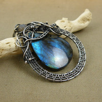 Labradorite pendnat , sterling wire wrap pendant , gemstone wire wrapp jewelry , silver jewelry, blue flash labradorite