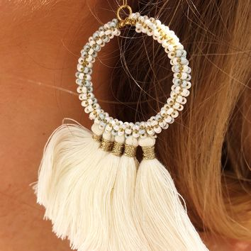 Caught In The Light Earrings: Ivory