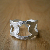 Hand Cut Silver Ring, Oval Pattern, Scales, Designer Jewelry, Handmade by Pepa Moyano