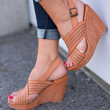 Drew Cutout Wedges (Coral)