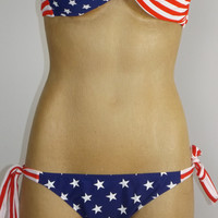 Stars and Stripes USA Padded Twist Bandeau Bikini American Flag 2-piece Swimsuit
