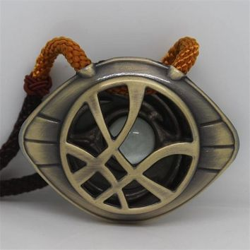 Superhero Movie The Avengers 3 Dr. Strange Eye Of Agamotto Badge Necklace Cosplay Costumes Props Noctilucence