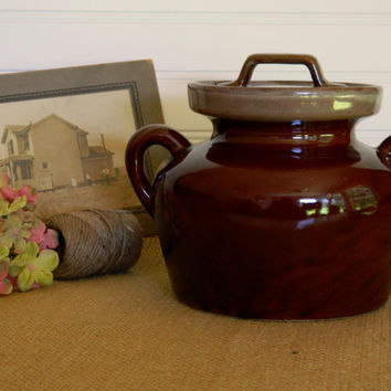 Vintage Stoneware Brown Glazed Crock or Bean Pot. Kitchen Display or Cookware. Rustic Country Farmhouse and Cottage Chic. Housewares.
