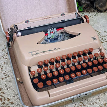 Vintage Tower  Manual Portable Typewriter with Case