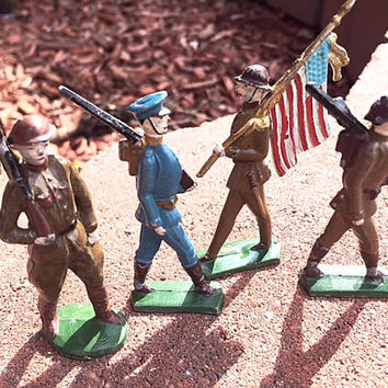 Vintage Metal Army Men, Military Memorbilia, Metal Figurines, WWII Metal Vintage Army Toys