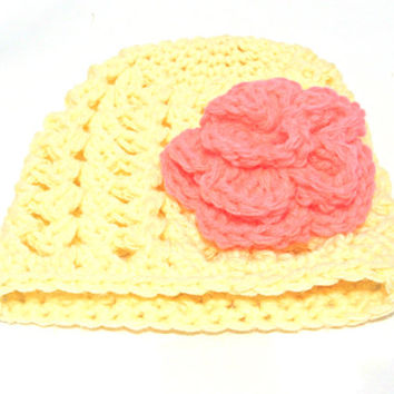 Beanie crochet baby hat with a flower,Infant girl yellow hat,baby shower gift,Newborn girl hat,Crochet baby girl beanie,baby girl photo prop