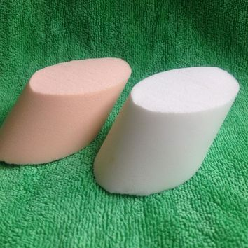 2pcs horseshoe-shaped puff loaded sponge for makeup eyes nose face powder Cosmetic Puff