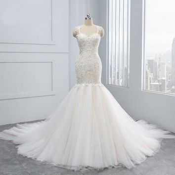 New Vintage Backless Mermaid Wedding Dresses Appliques Lace Pearls Crystal Sleeveless Brides Gown