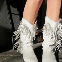 vintage white leather cowboy boots with fringe  by GinnyandHarriot