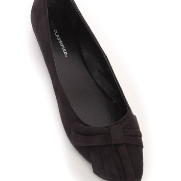 Black Pointy Close Toe Flats Faux Suede