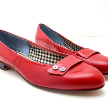 Adorable Vintage Red Flats with Black Gingham Lining. Size 7.5 AAAA, Near Mint Condition, 1960s Shoes