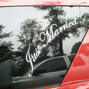 Just Married Vinyl lettering car decal DIY car decor project Brides maid