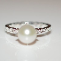 Size 6 Silver Pearl Heart Ring - Sterling Silver Ring with Fresh Water White Pearl Size 6