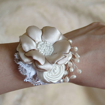 Beige lace bridal flower wrist corsage, bridal wrist corsage, flower cuff bracelet, wedding fabric corsage, Bridesmaid cuff bracelet