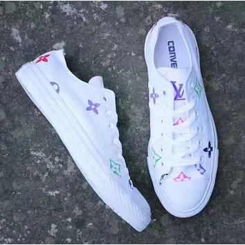 Converse: Fashionable casual women's cloth shoes