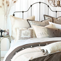 Daphne Bedding Collection