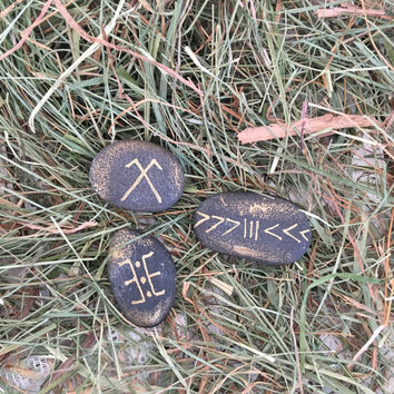 3 Sign Stone set for good fortune