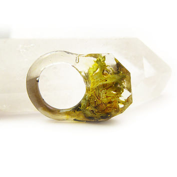 Smoke Lichen Resin Ring • Size 6.5 • Eco Resin Nature Ring • Asymmetrical Unusual Art Ring • Faceted Terrarium Ring • Nature Moss Ring