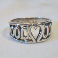 Sterling Silver Heart Cut Out Band Ring Size 8.75 Hugs Kisses Valentine's Day Jewelry