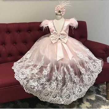 Sparkly Pink Princess Dress Lace Ostrich Feathers Cap Sleeves Little Girl Pageant Party Bridal Gown with Train