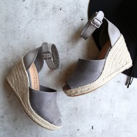 coconuts by matisse - flamingo espadrille wedge sandal - grey