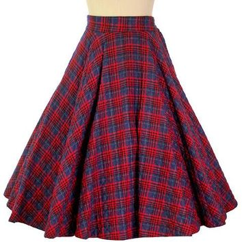 "Vintage Circle Skirt Quilted Red Navy Blue Plaid 1950s 24-27"" Waist Small"