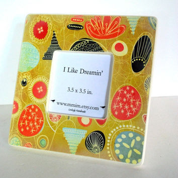 Uncommon Bouquet Picture Frame by Mmim on Etsy