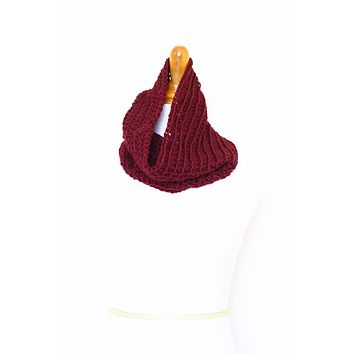 Crochet infinity scarf in red color, chunky cowl - 12 colors available