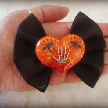 Halloween Horror Skeleton Hand blood and bugs Haunted Hair Candy