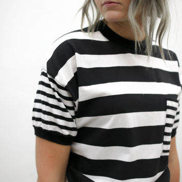 vtg 90's minimalist black white stripe striped pocket tee, stripey tshirt, 1990s modern vtg tumblr soft grunge vaporwave aesthetic fashion