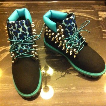 TURQUOISE/BLACK LEOPARD SPIKED TIMBERLAND (JUNIOR SIZES 3.5-7)
