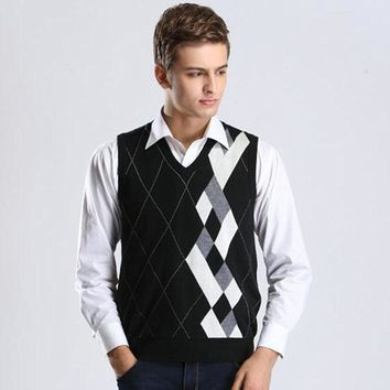 Designer Sweater Pullover Knit Vest for Men Sleeveless Wool Stylish Fashion Casual V Neck Basic Black Grey Checkered