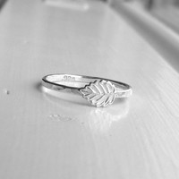 Leaf Ring, Sterling SIlver Leaf Ring, Leaf Stacking Ring, Sterling Silver Stacking Rings, Leaf Jewelry, Falling Leaves