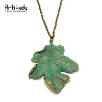 Artilady fashion green leaf pendant necklace 18k antic gold plated zinc alloy leaf pendant necklace for women jewelry party gift